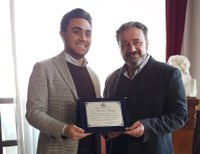 La Città Metropolitana ha premiato l'attore Saverio Malara